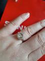 Кольцо с двигающимися камнями