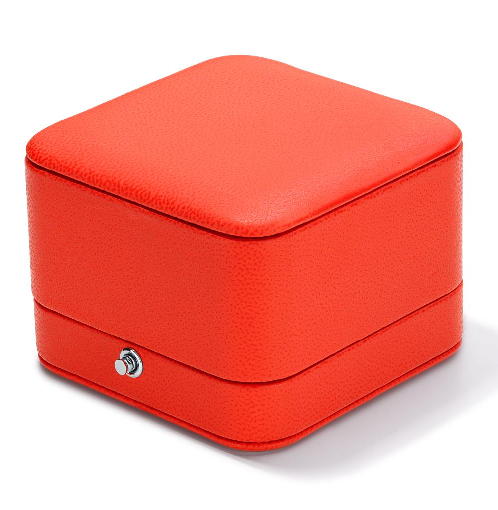 Фото «Коробка с кнопкой под серьги и  подвески»