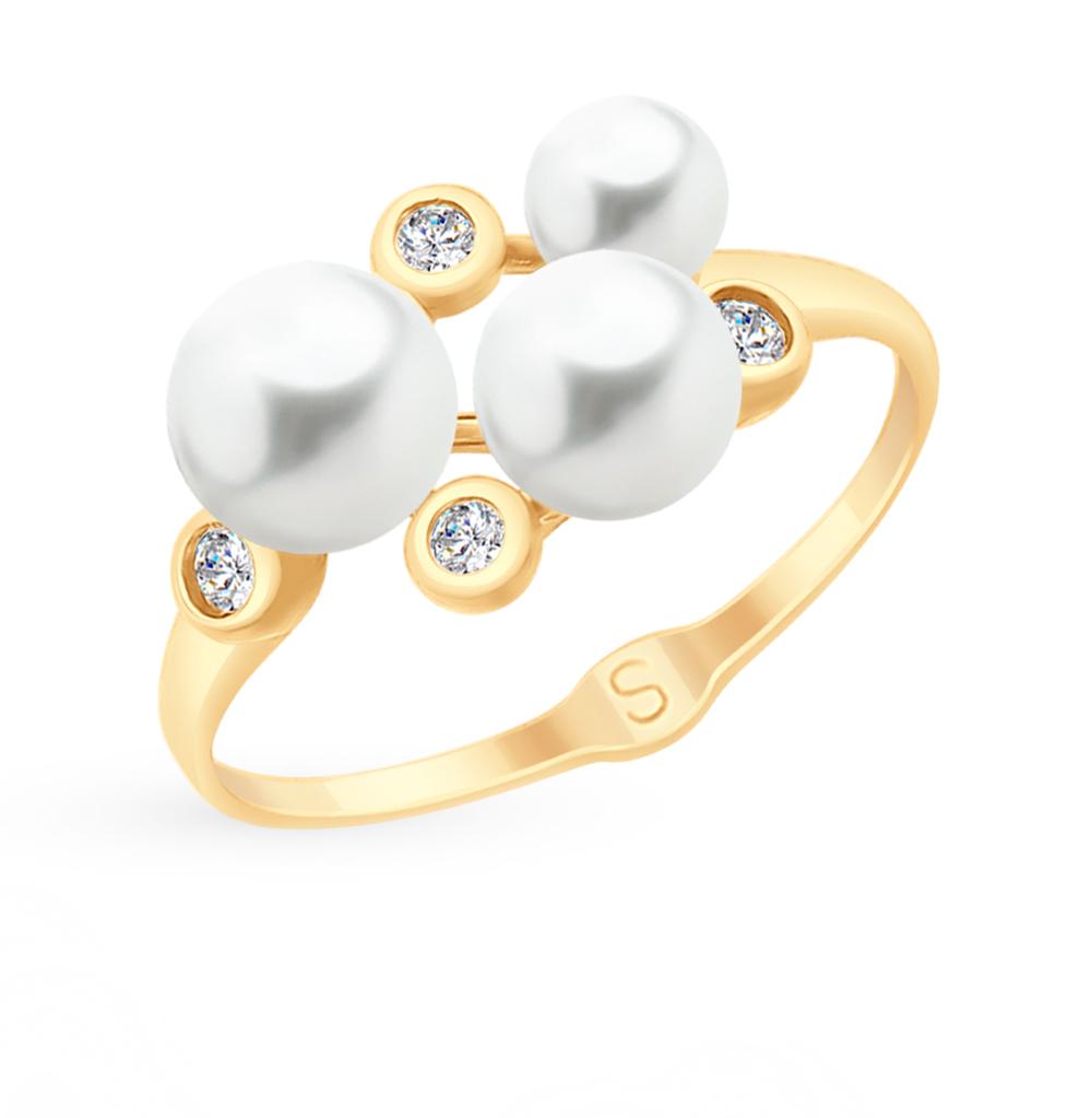 золотое кольцо с фианитами и жемчугом SOKOLOV 791070