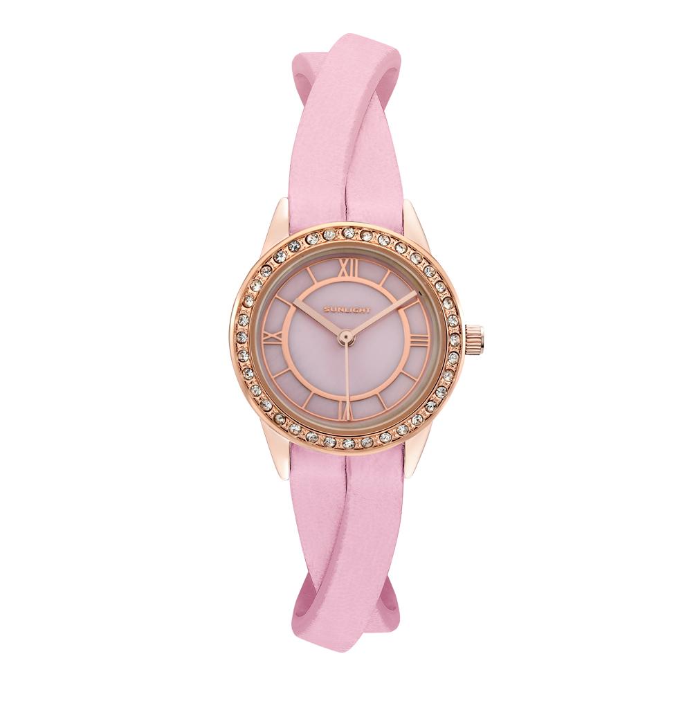 Женские часы с перламутром и кристаллами на кожаном ремне