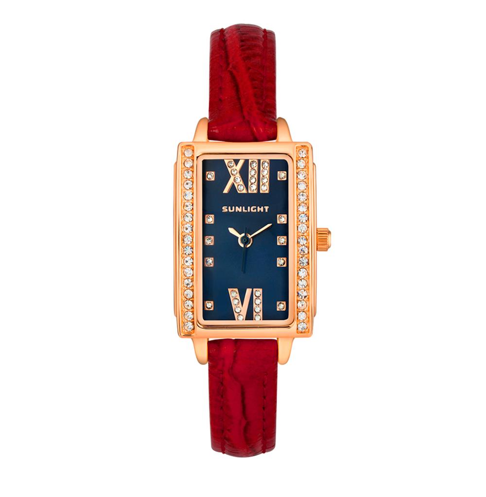 Прямоугольные женские часы с кристаллами на кожаном ремне