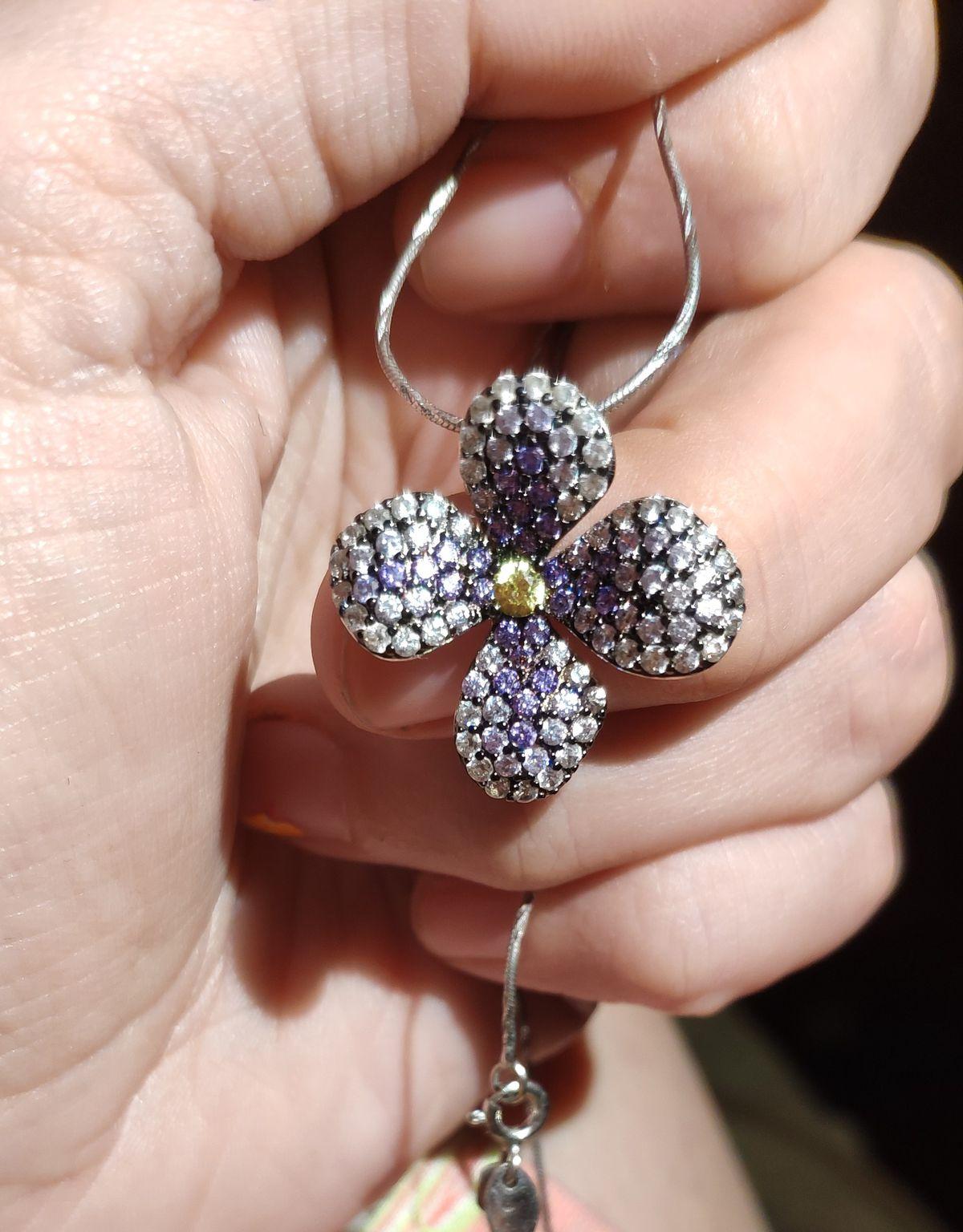 Цветочек из камней!