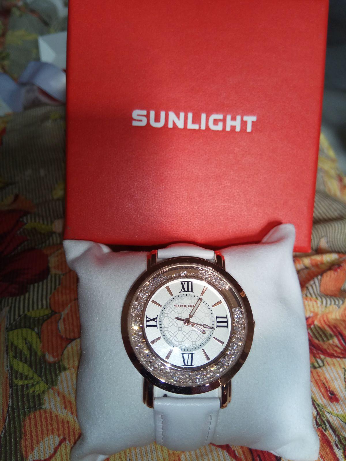 Очень красивые часы и интересный дизайн.