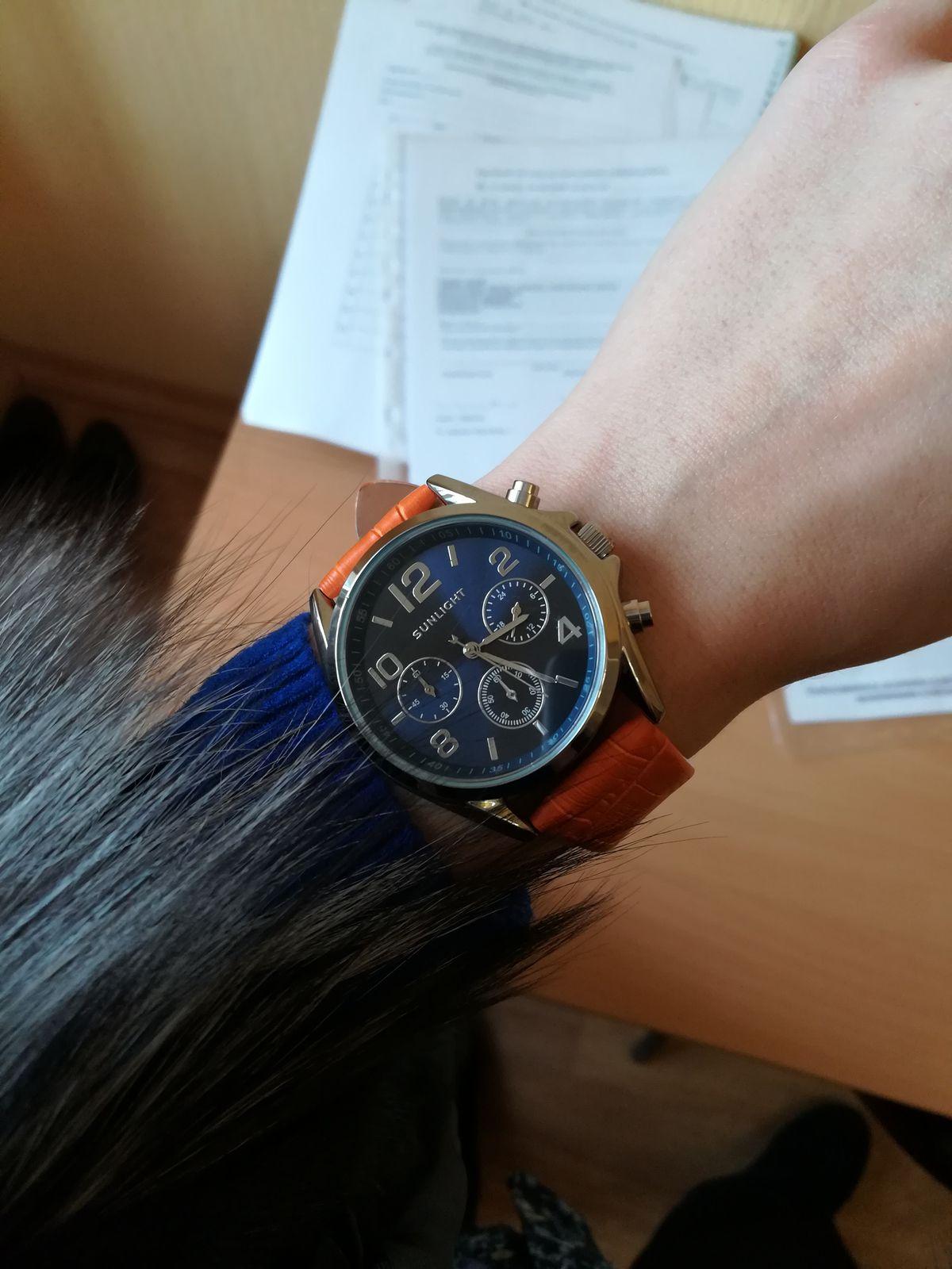 Крутые часы, стильный аксессуар. Любителям стиля унисекс советую))