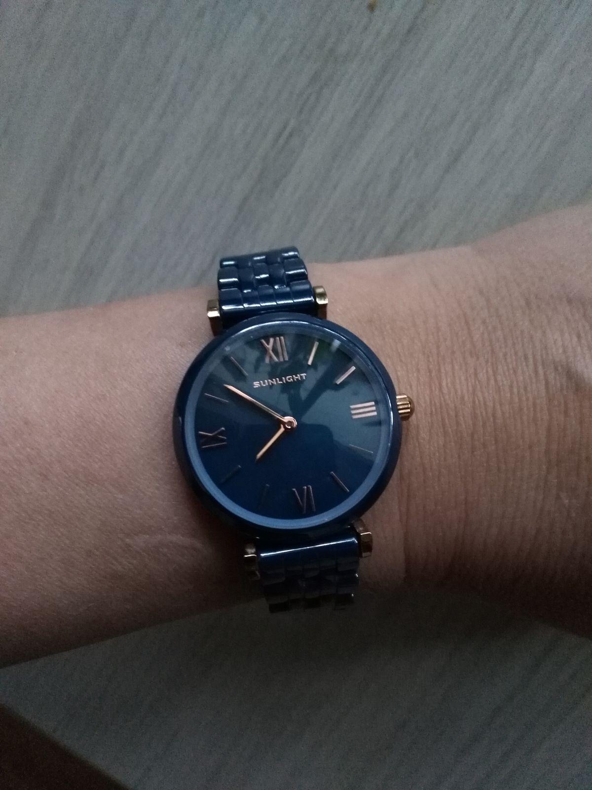 Часы с керамическим браслетом, синие.