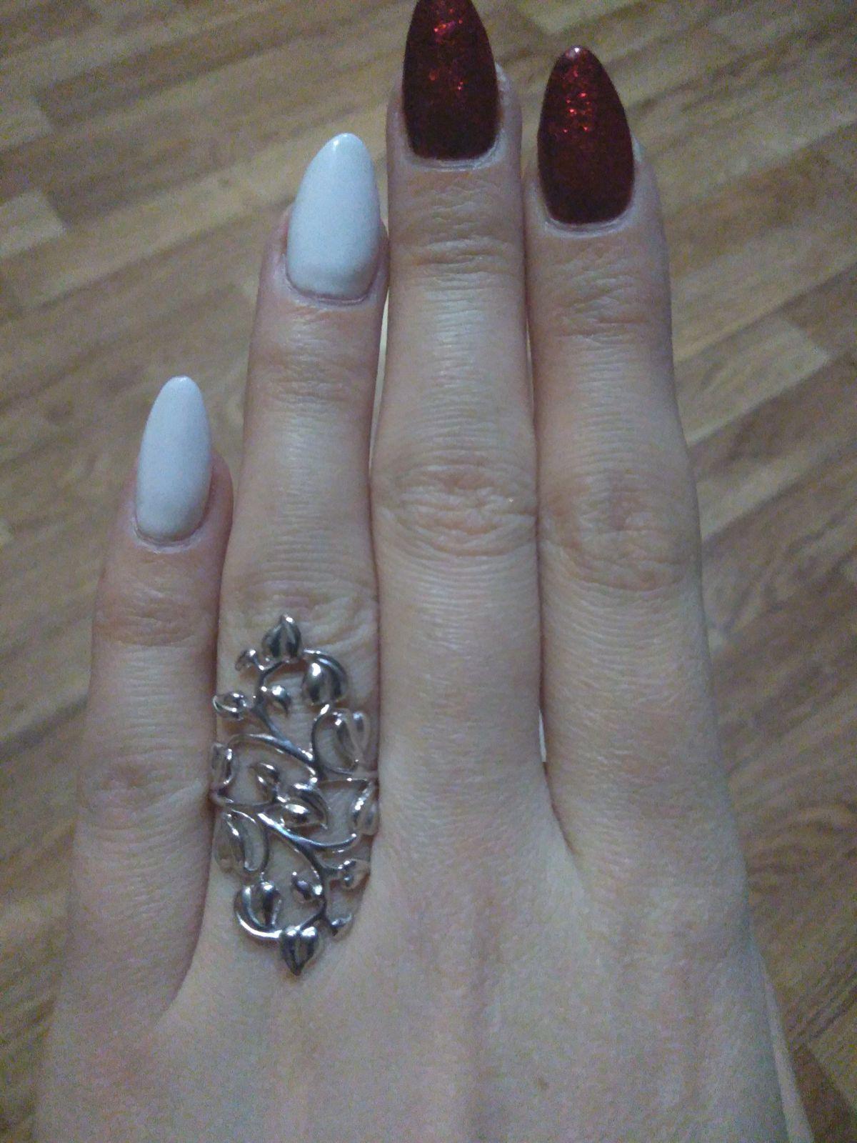 Изящное серебряное колечко