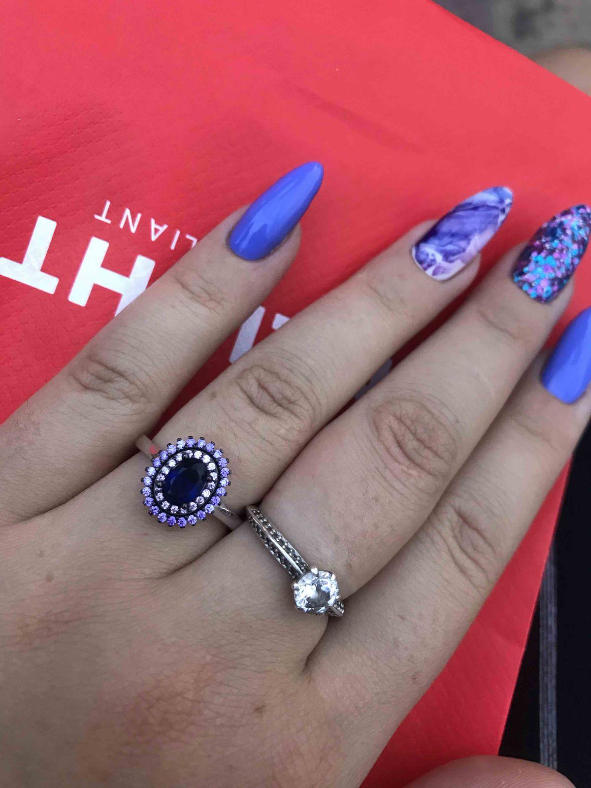 Серебряное кольцо с синими камнями