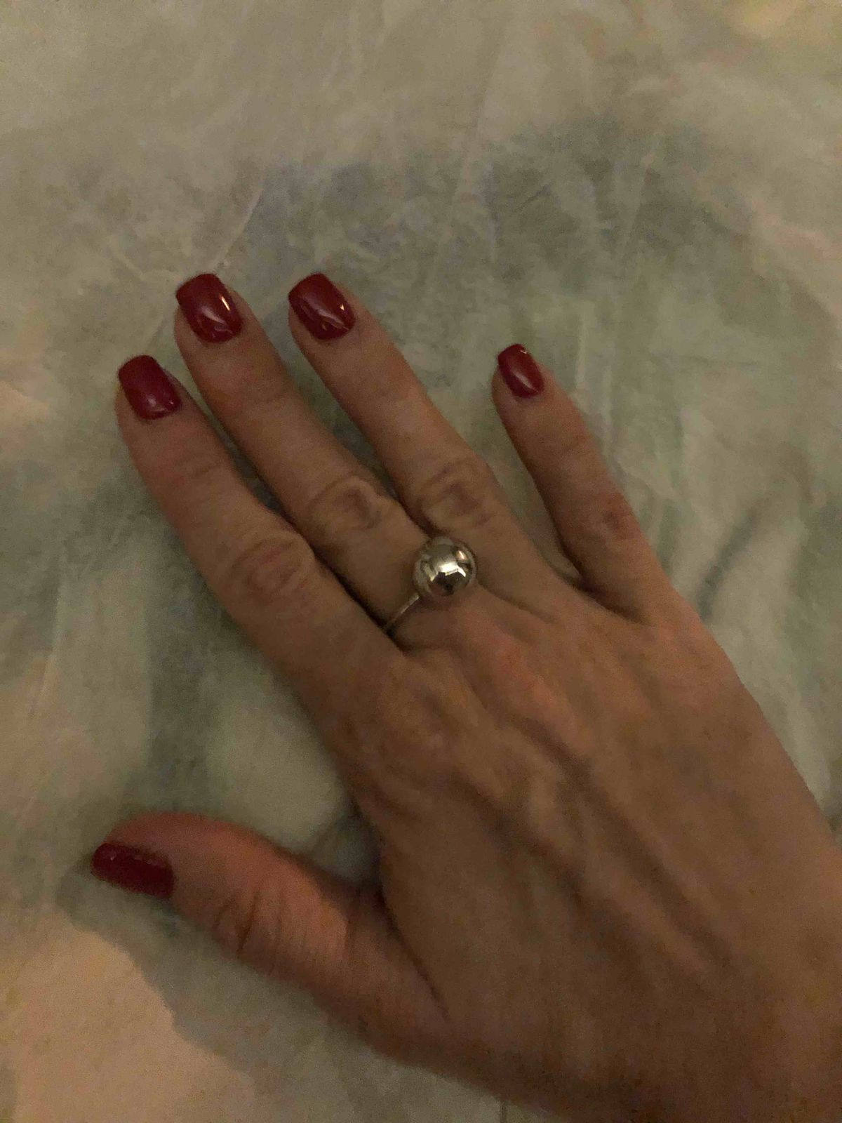 Кольцо супер!! очень необычно и в тоже время   сдерженно.