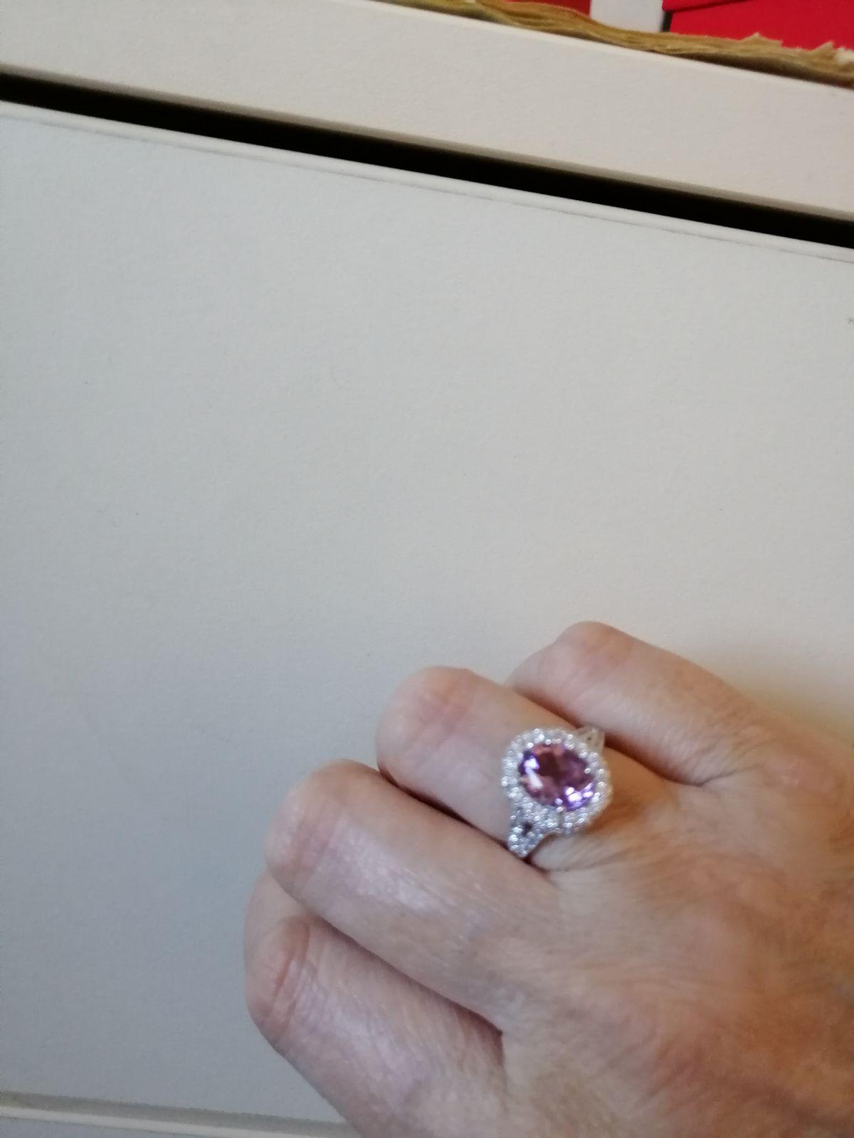 Кольцо с аметистом и фианитоми