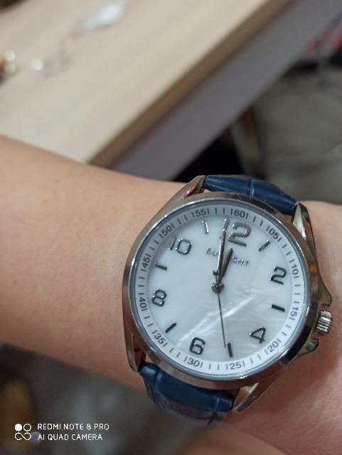 Часы. Синий ремешок