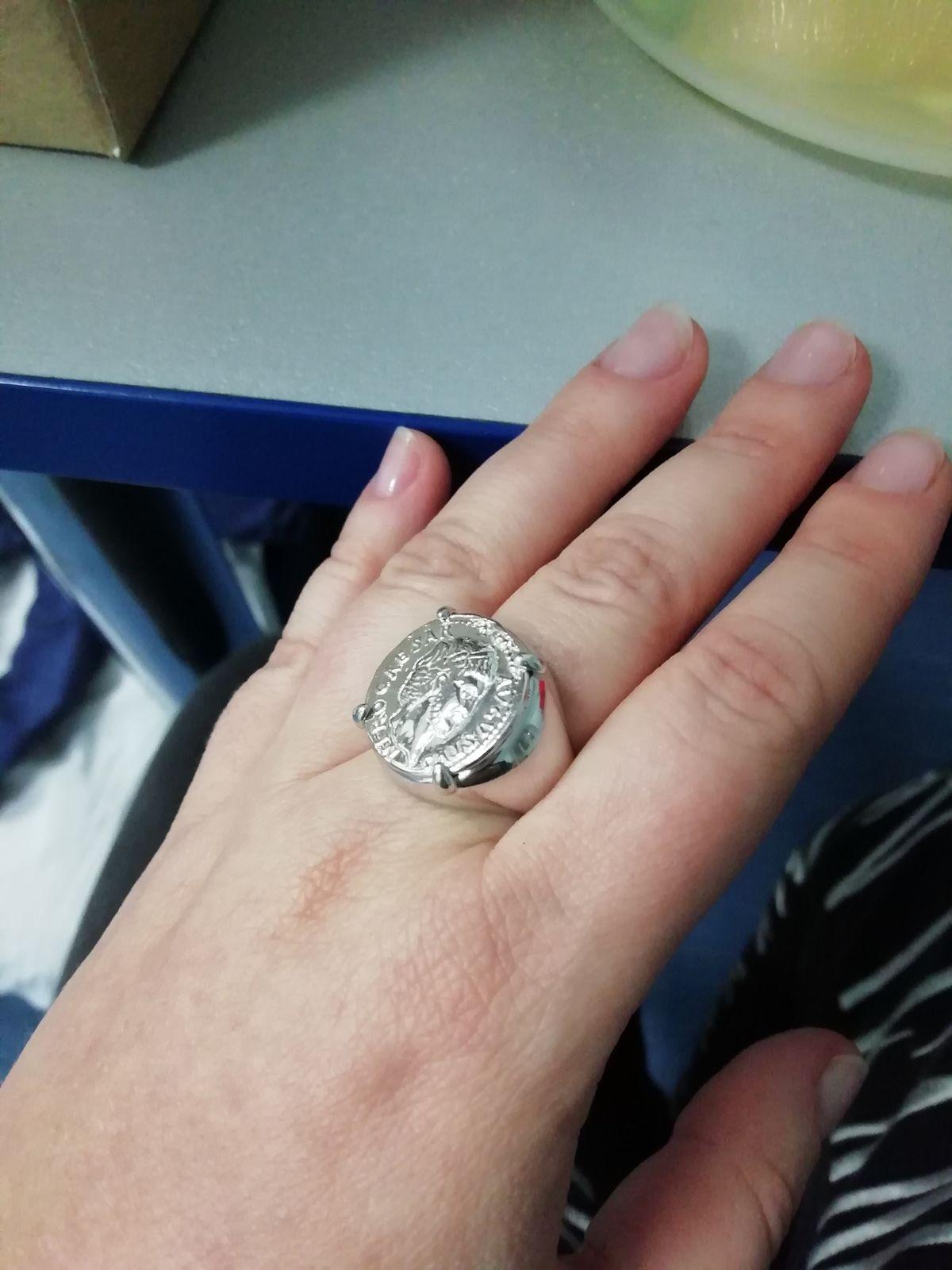 Перстень очень интересный