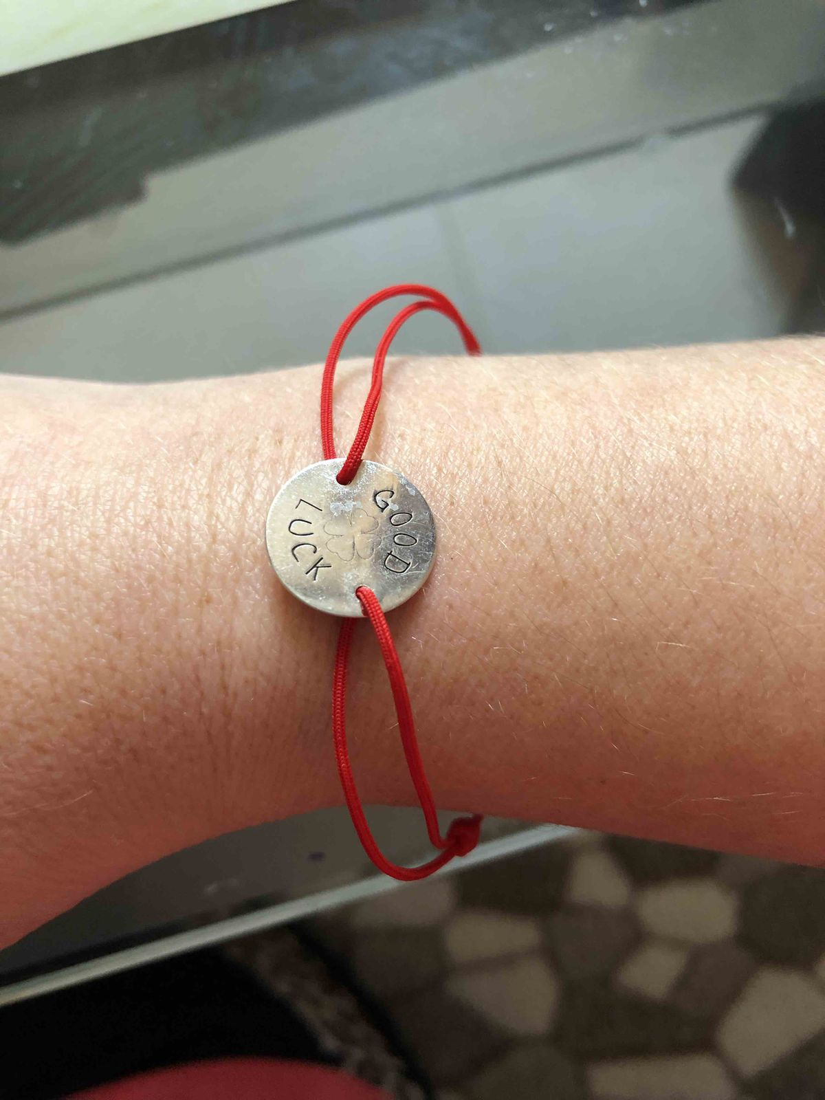 Чудесный, серебряный браслет - нить