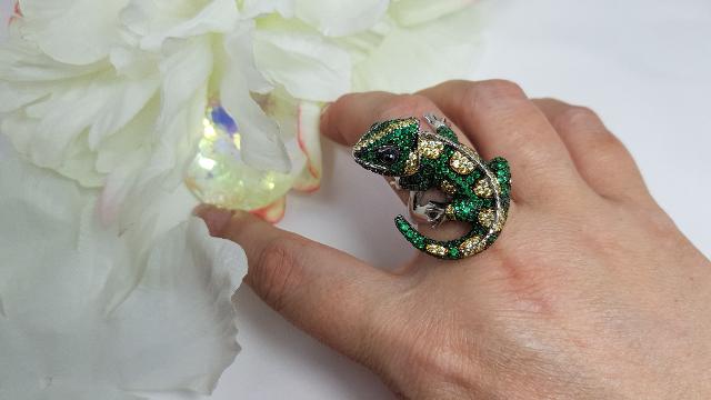 Серебряное кольцо с фианитами♡