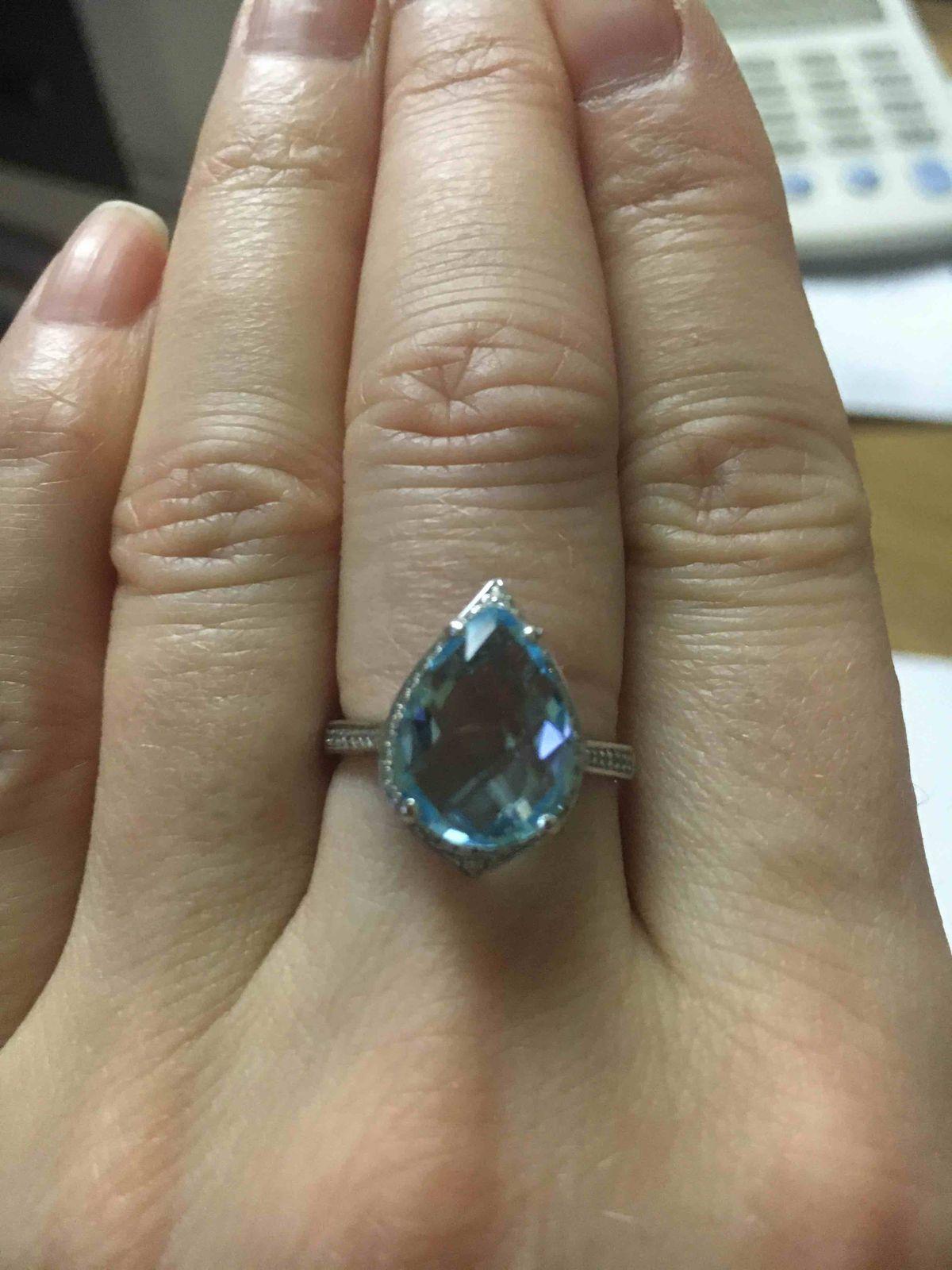 Заказала кольцо по приложению вместе с серьгами