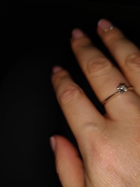 Колечко с бриллиантом