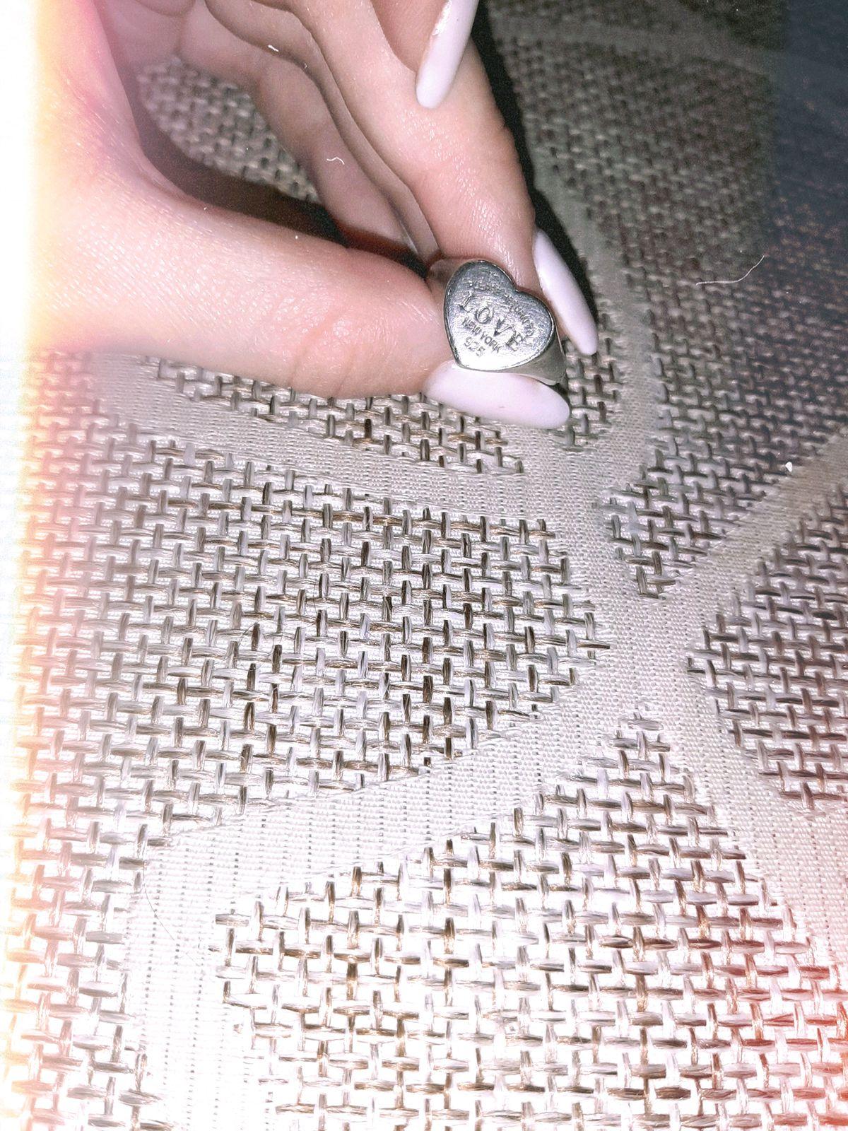 Символичное кольцо)