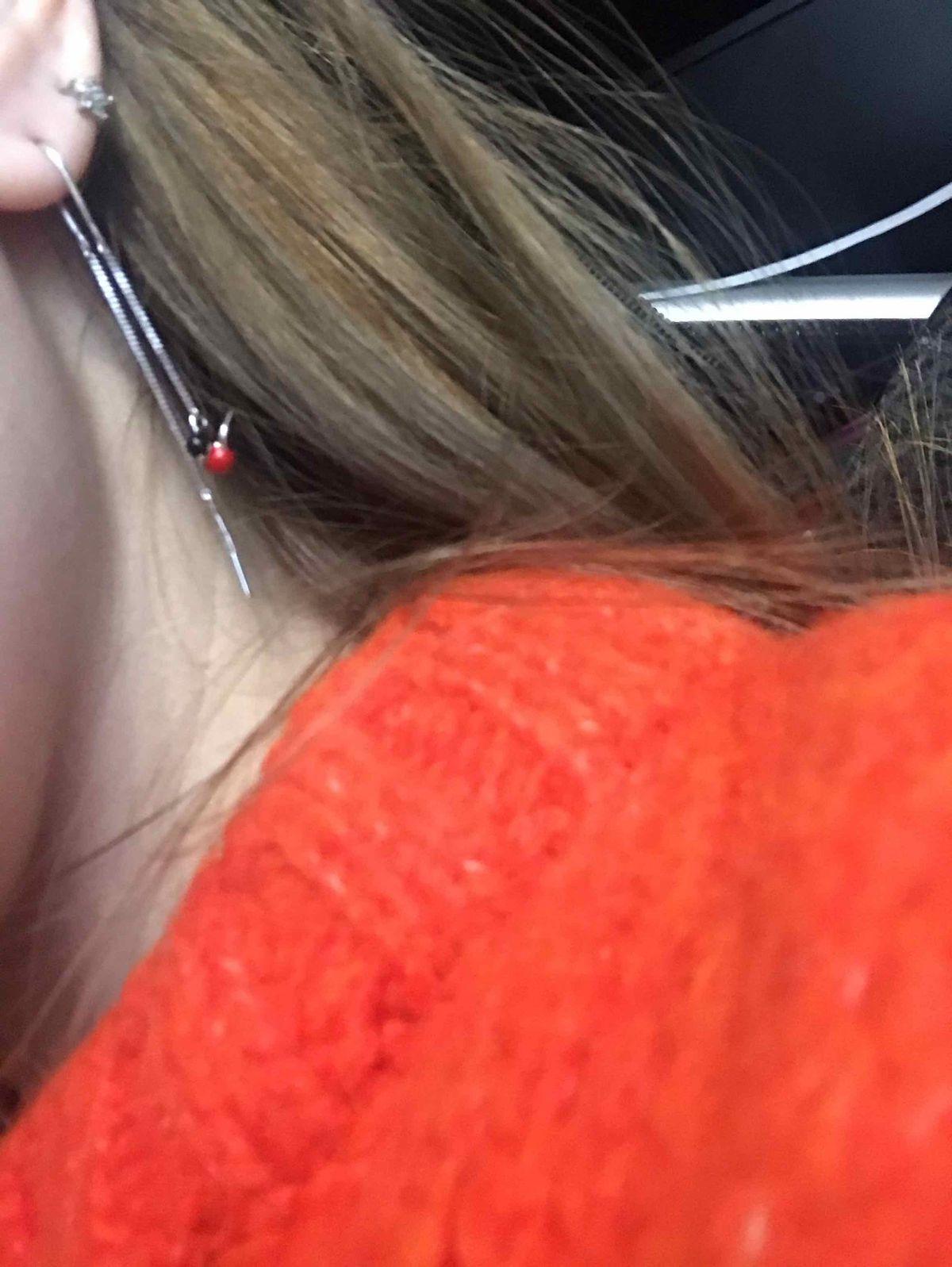 Очень милые маленькие сережки, смотрятся нежно.