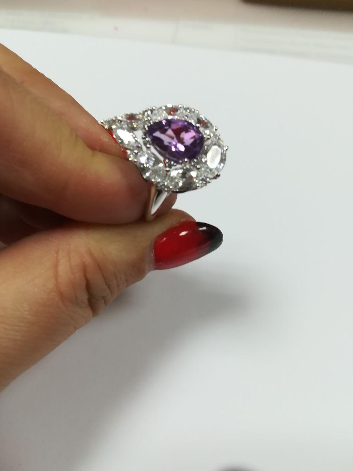 Кольцо серебряное с аметистом и фианитами