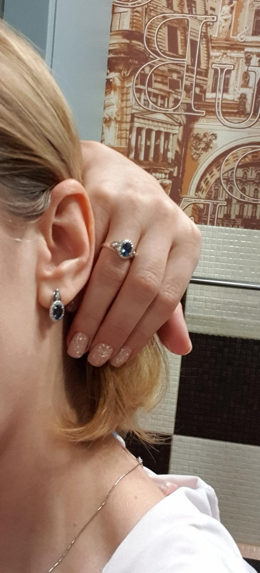 Серебряное кольцо с топазами и фианитами!