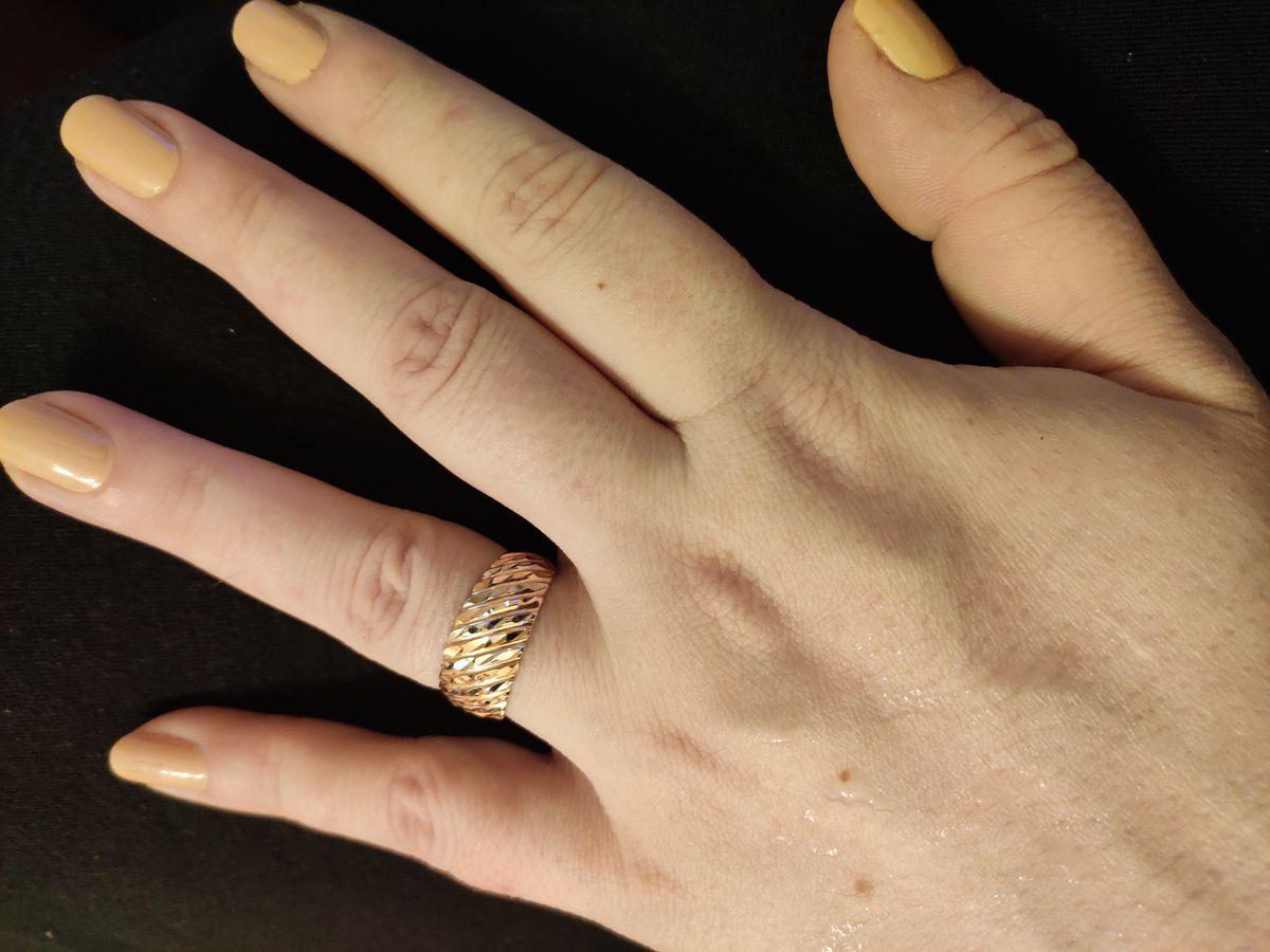Прекрасное кольцо и в пир, и в мир.