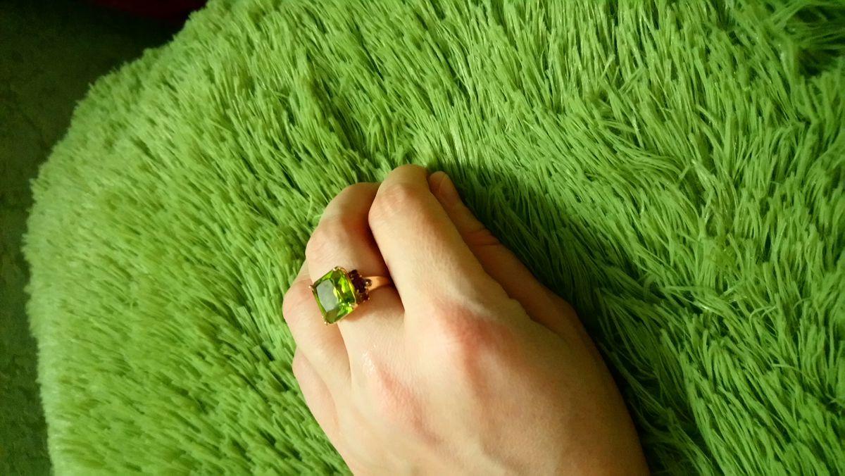 Шикарный перстень.