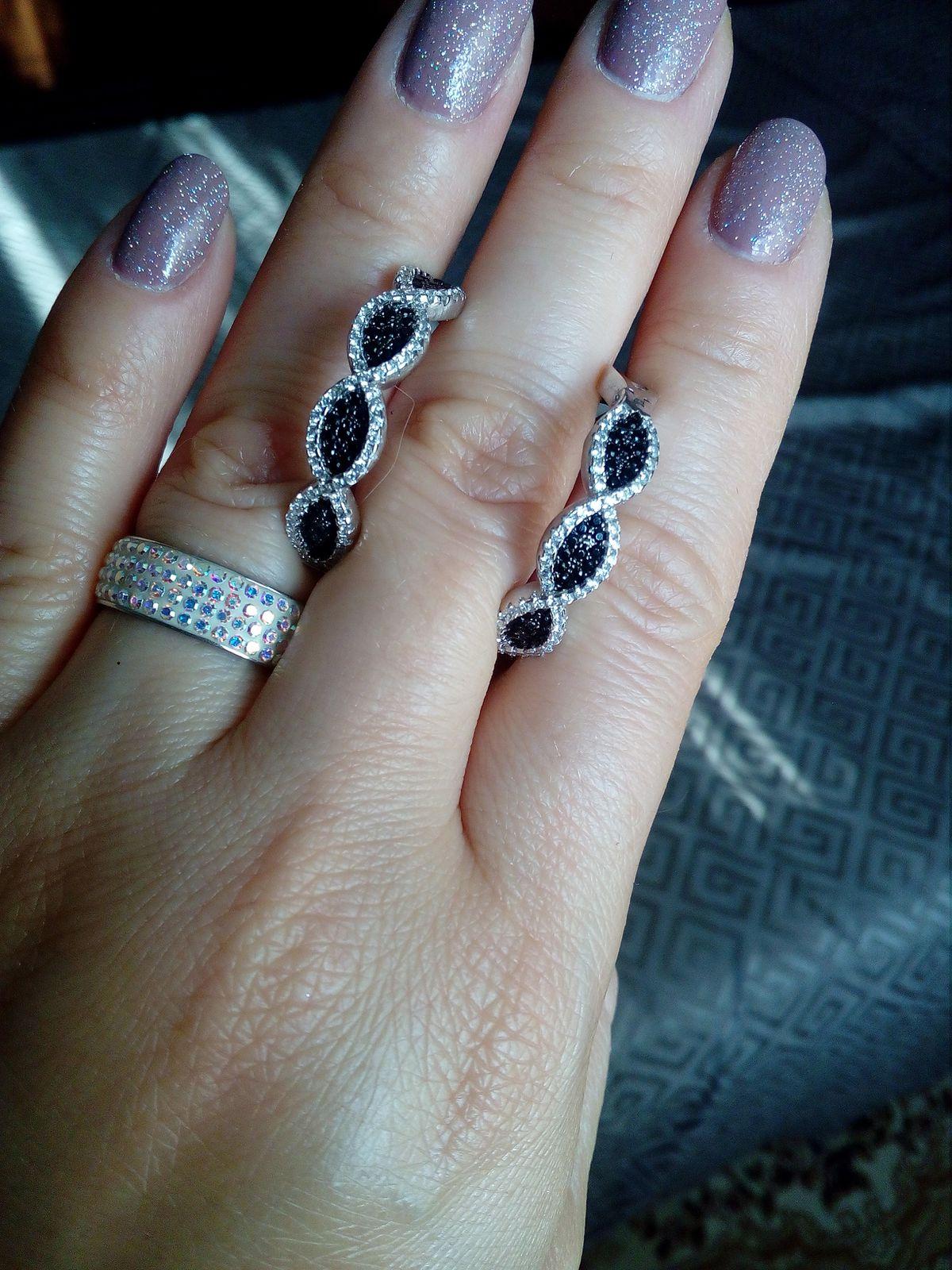 Милые серьги-кольца.