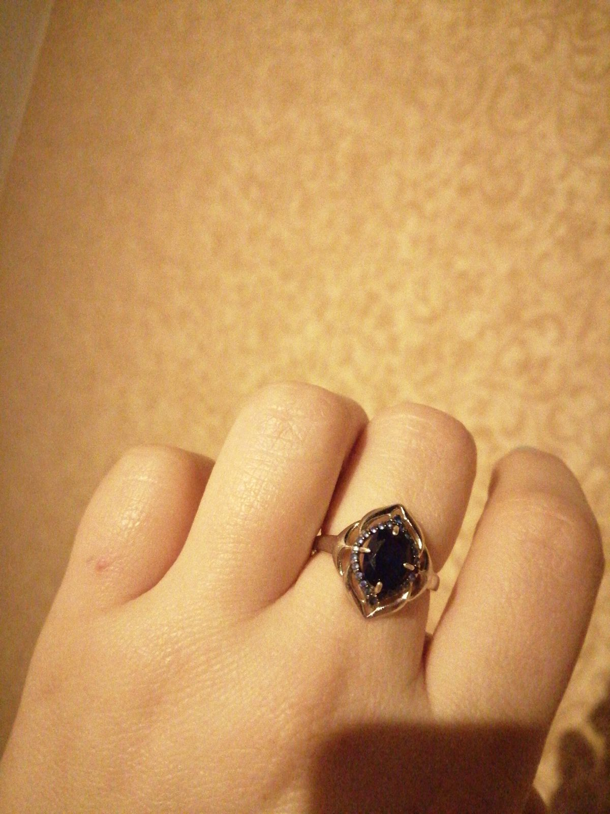 Прекрасное кольцо!!! Очень красиво смотрится.