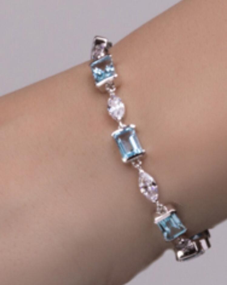 Серебрянный браслет с топазами