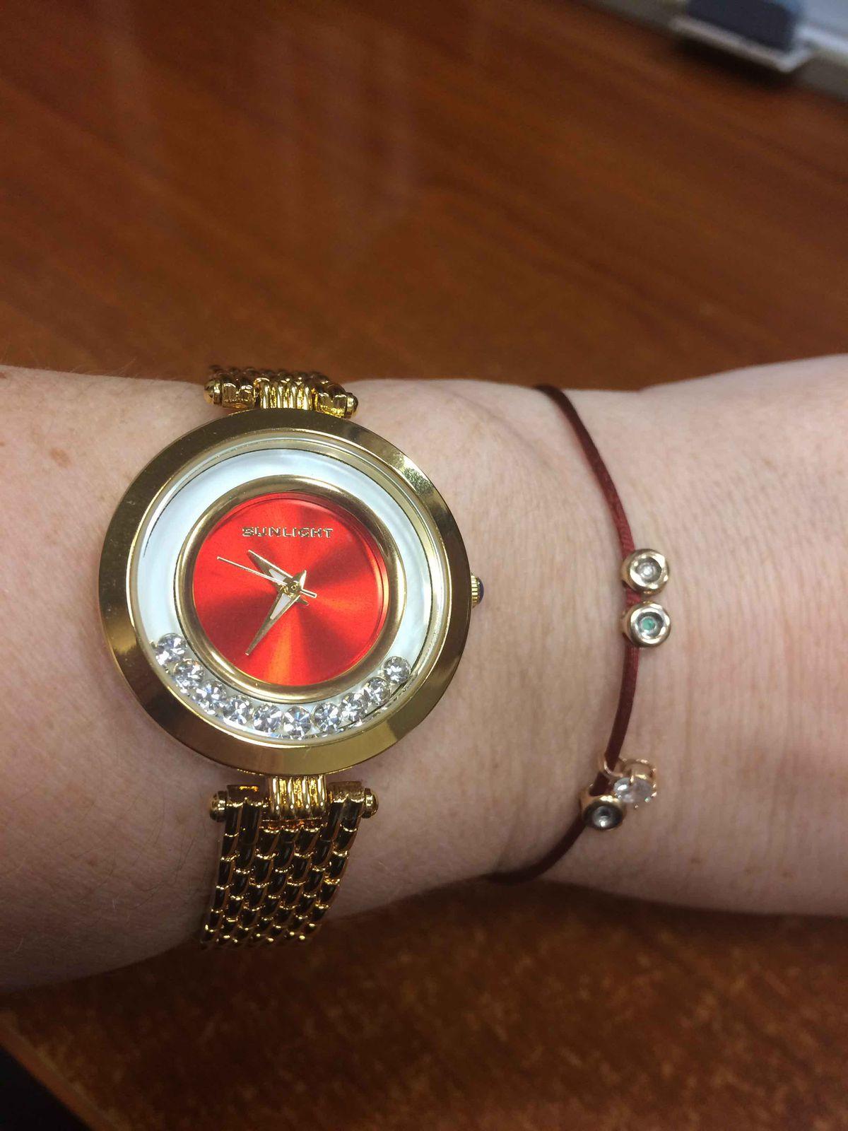 Отличные часы по отличной цене!)