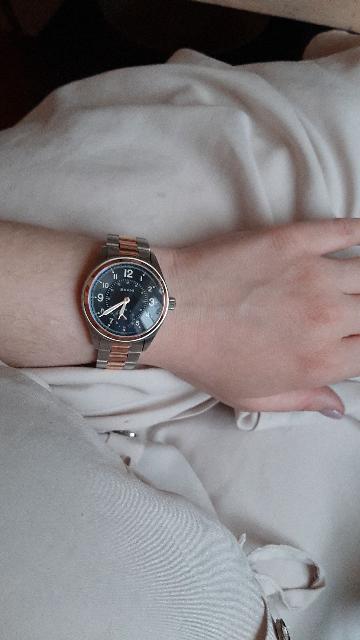 Часы красивые, универсальные