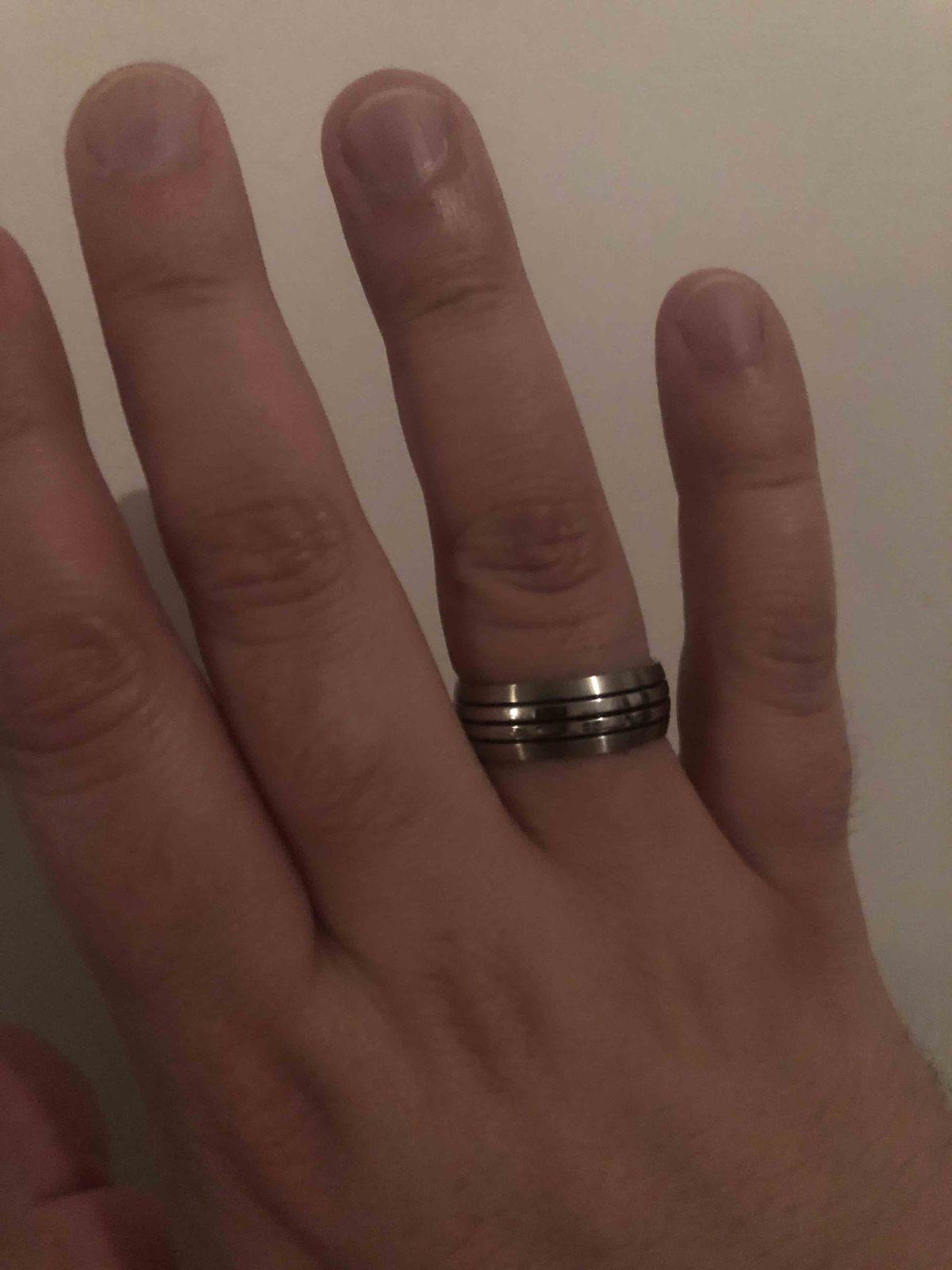 Достойное стильное мужское брутальное кольцо из высококачественной стали.
