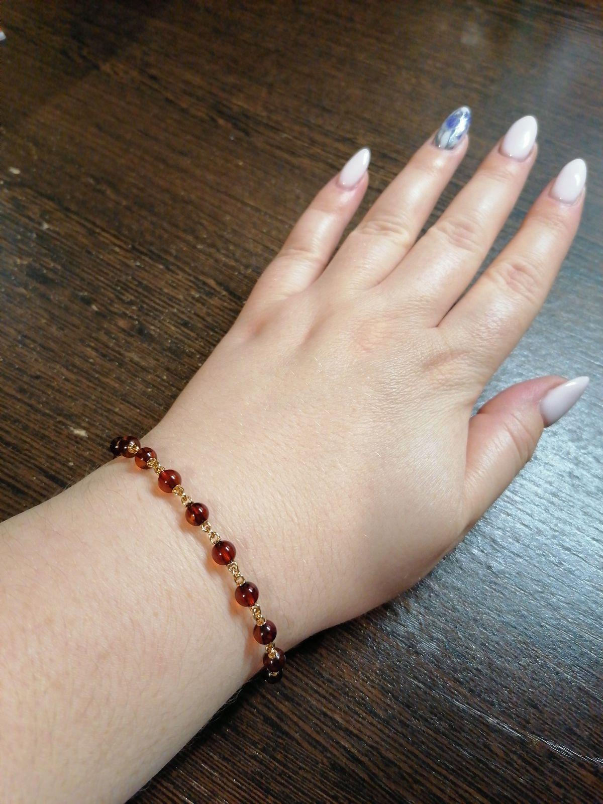 Сережки купила вместе с браслетом, всё супер, смотрится нежно, красиво!