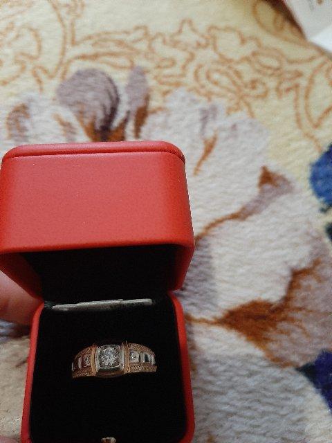 Кольцо очень красивое,купила мужу на День рождения .