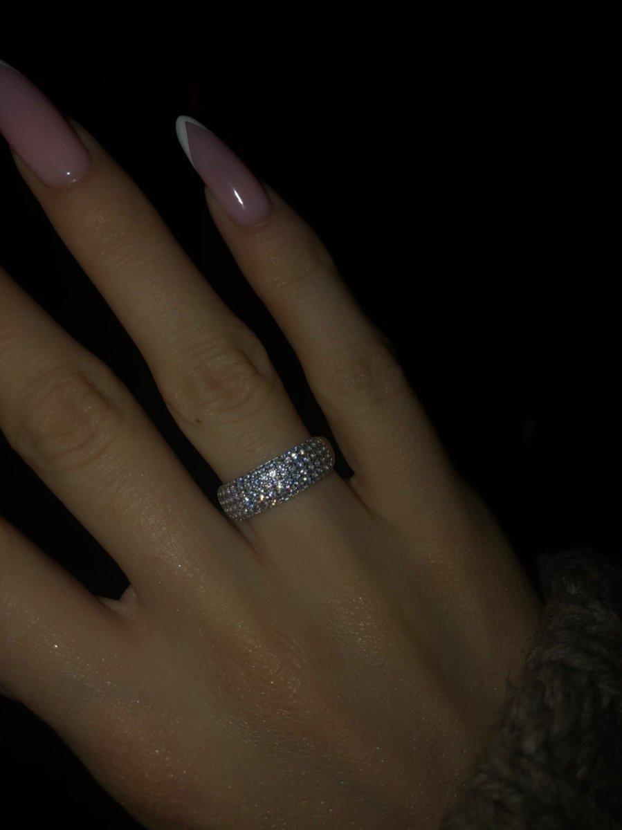 Кольцо, очень красивое