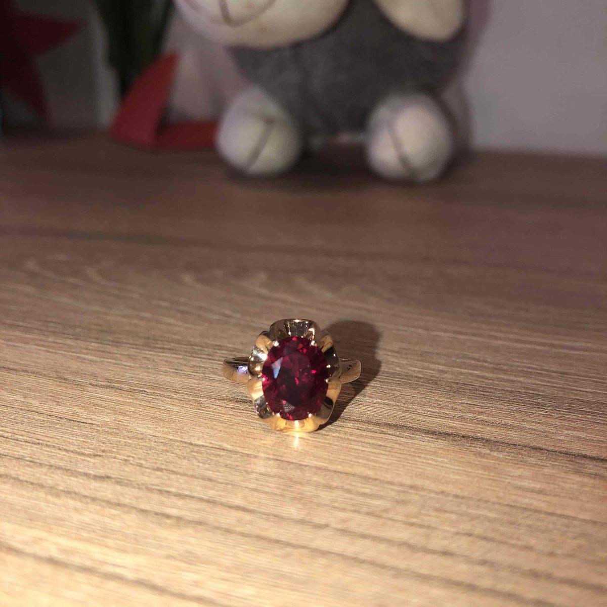 Кольцо с рубином!