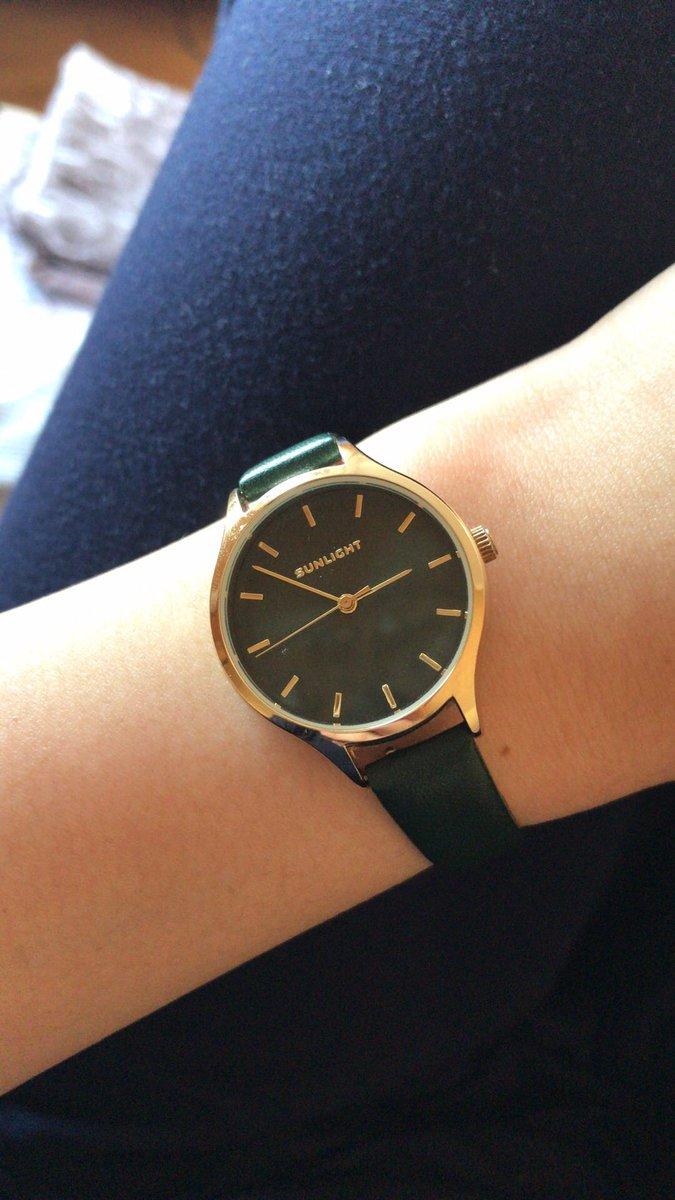 Очень красивые и изящные часы. Мне понравились с первого взгляда.