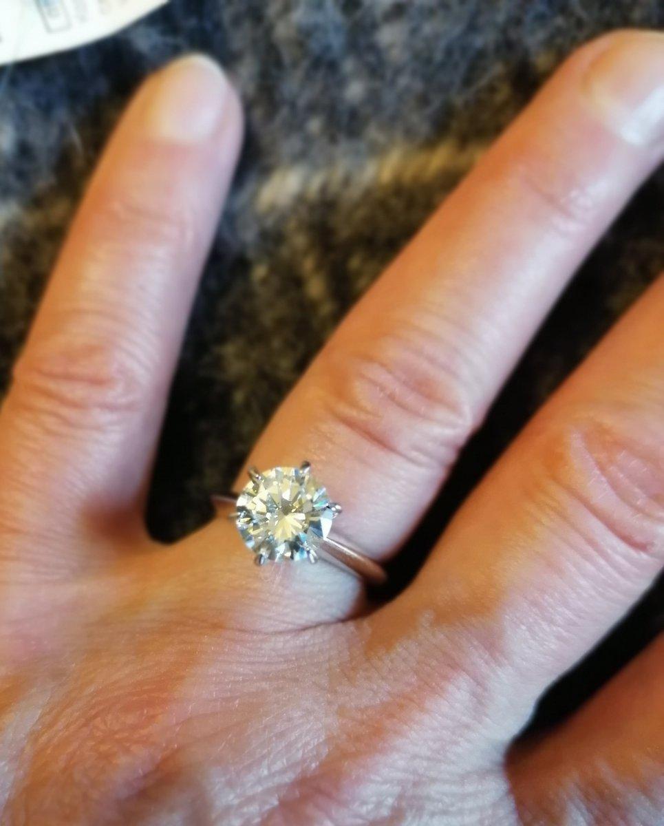 Серебряное кольцо с фиантом