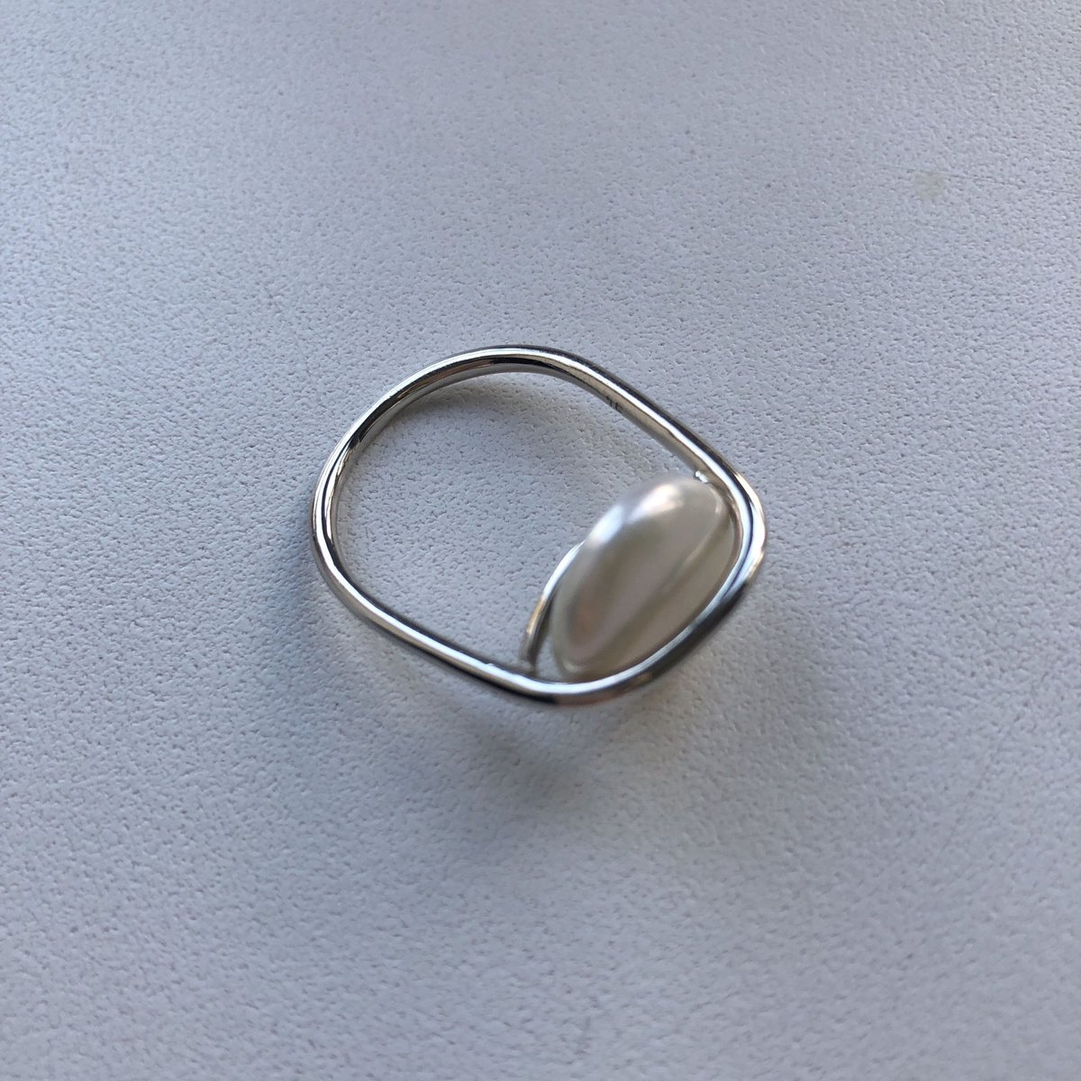 Кольцо с «пуговкой»