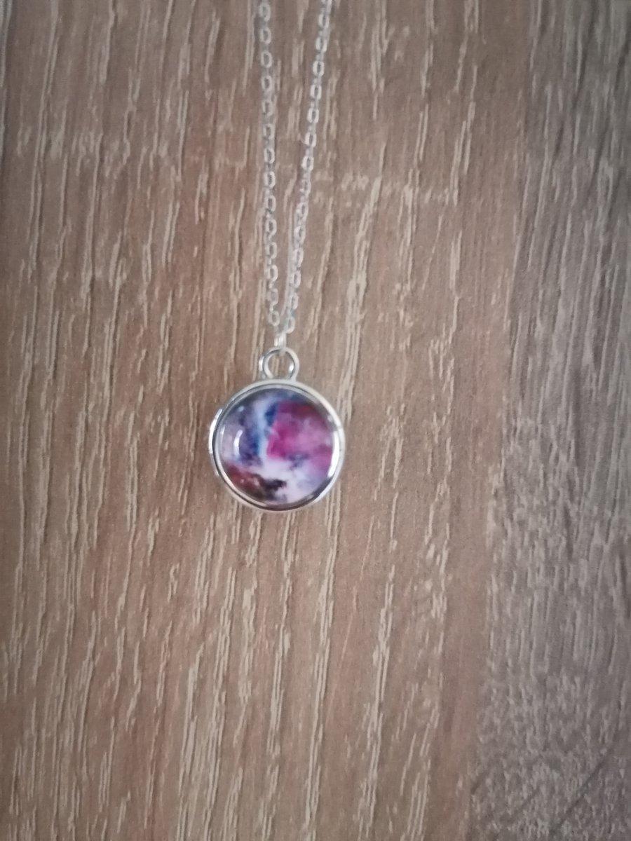Кулон на цепочке Розовая Галактика.