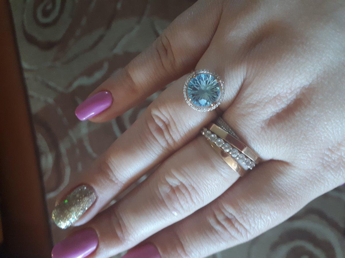 Колечко с бриллиантиками