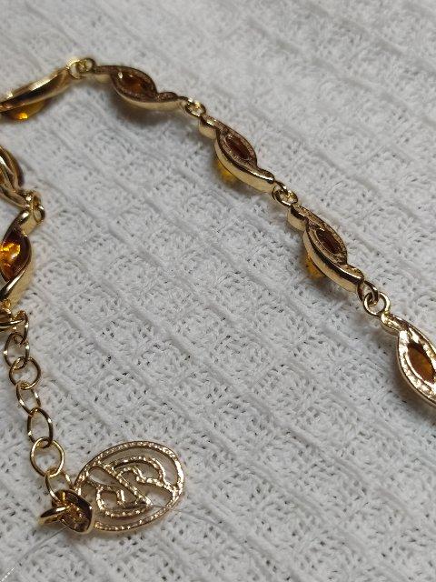 Чудесный браслет , серебро с янтарем .