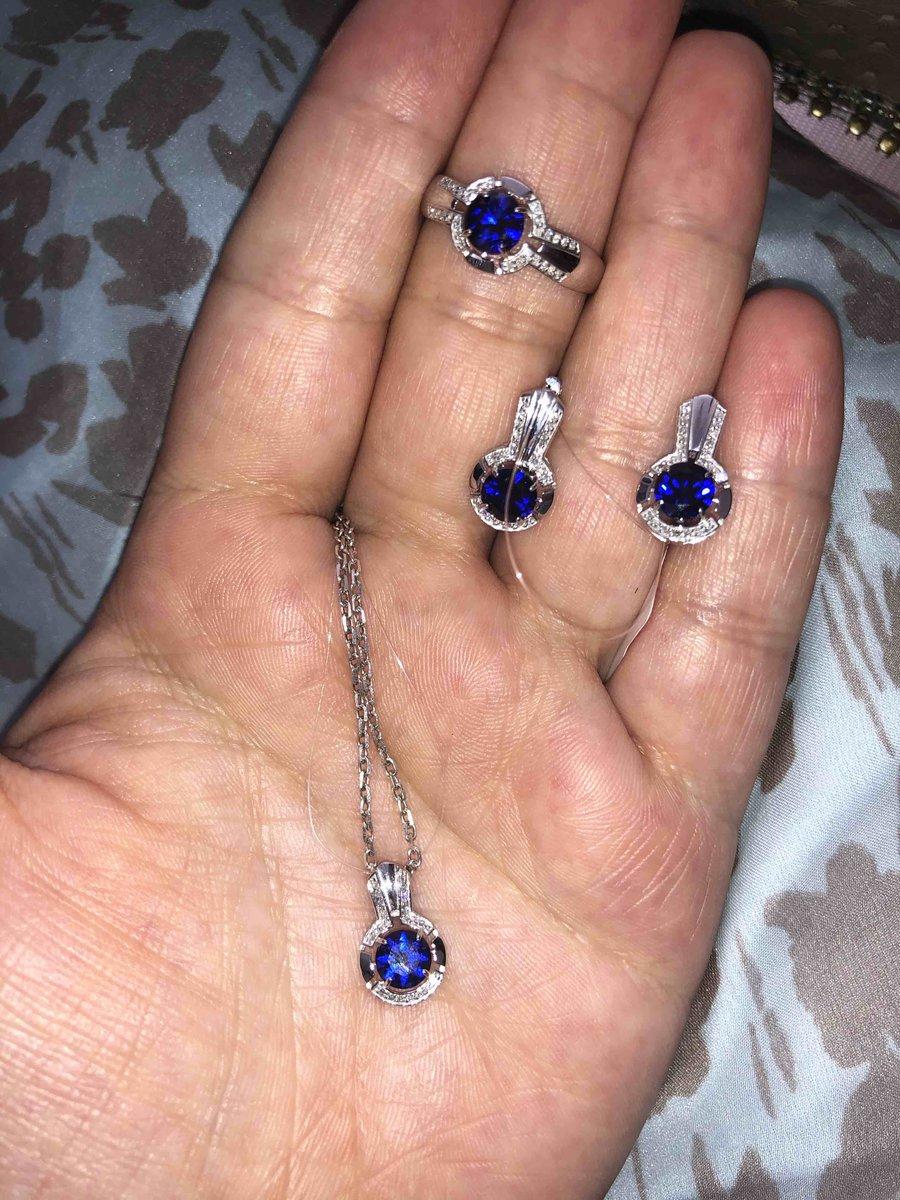 Кольцо, белое золото с сапфиром и бриллиантами