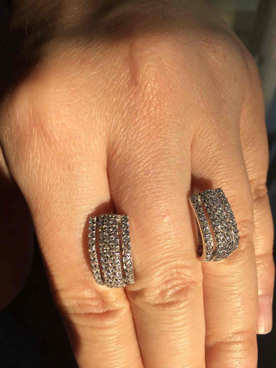 Серебрянные серьги на подарок!