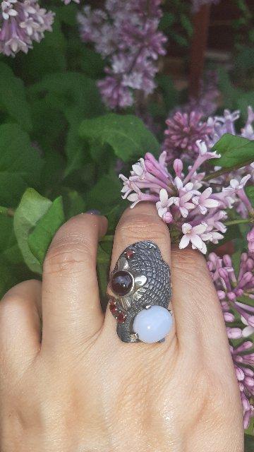 Спасибо дизайнерам за необычное кольцо! Рекомендую!