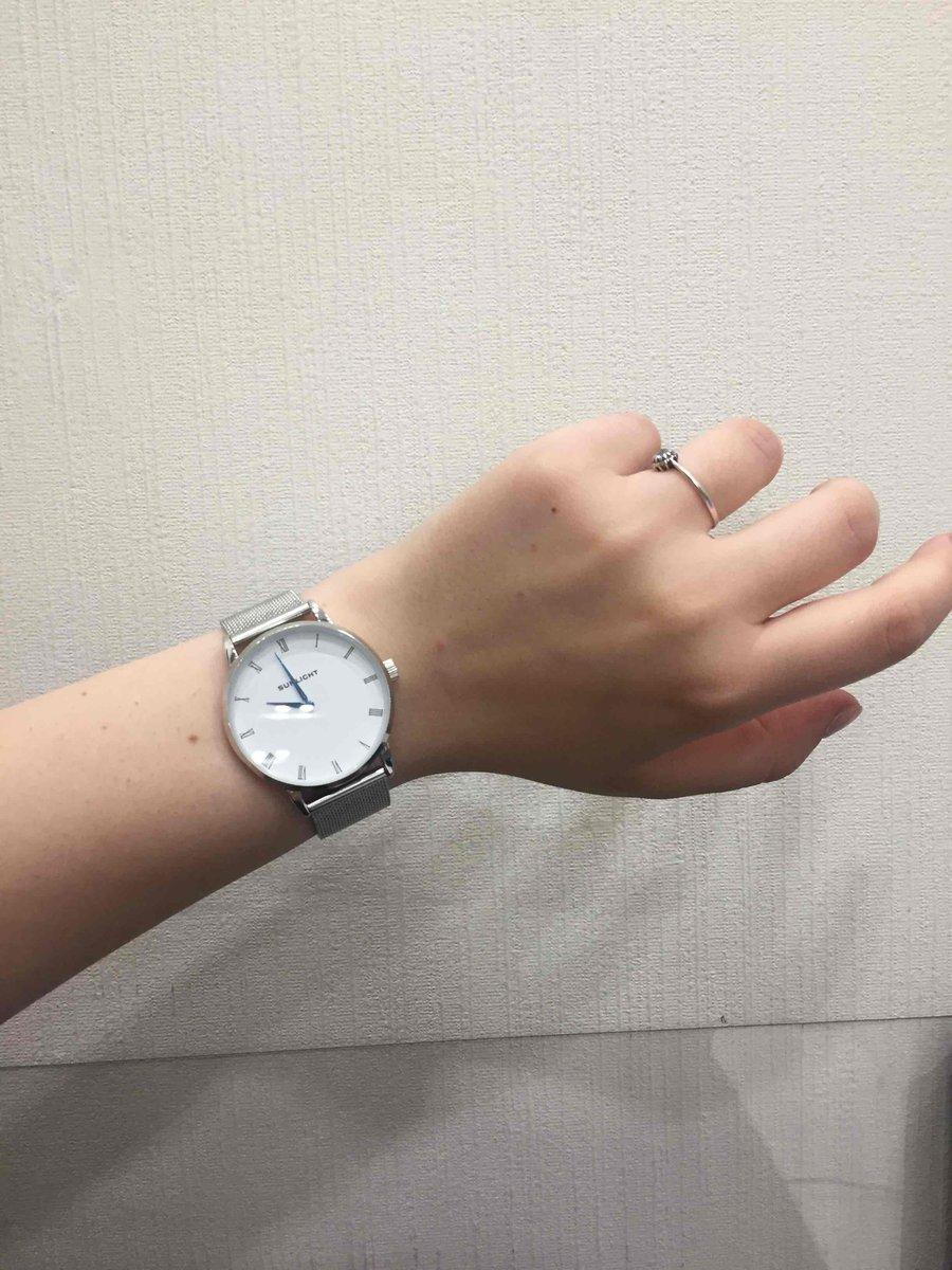 Очень красивые ,одновременно практичные и подходящие к любому образу часы