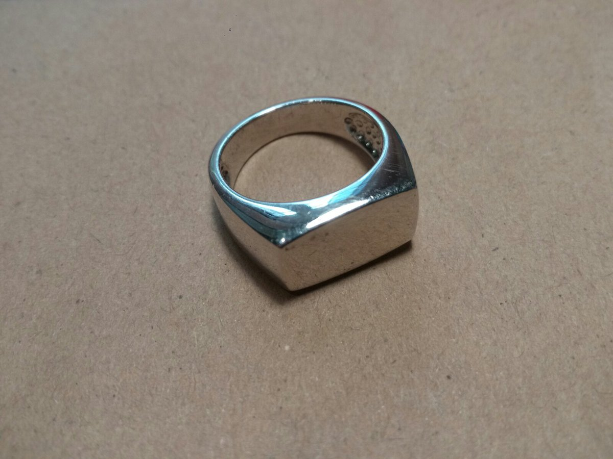 Превосходное кольцо-печатка!