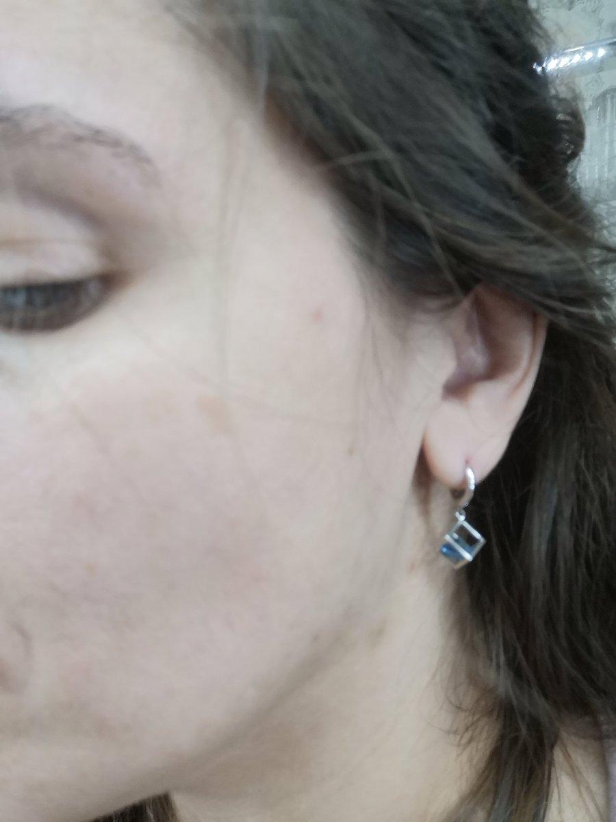 Стильные серебряные сережки