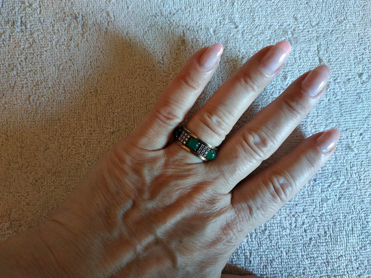 Давно присмотрела себе это кольцо и, наконец, купила.