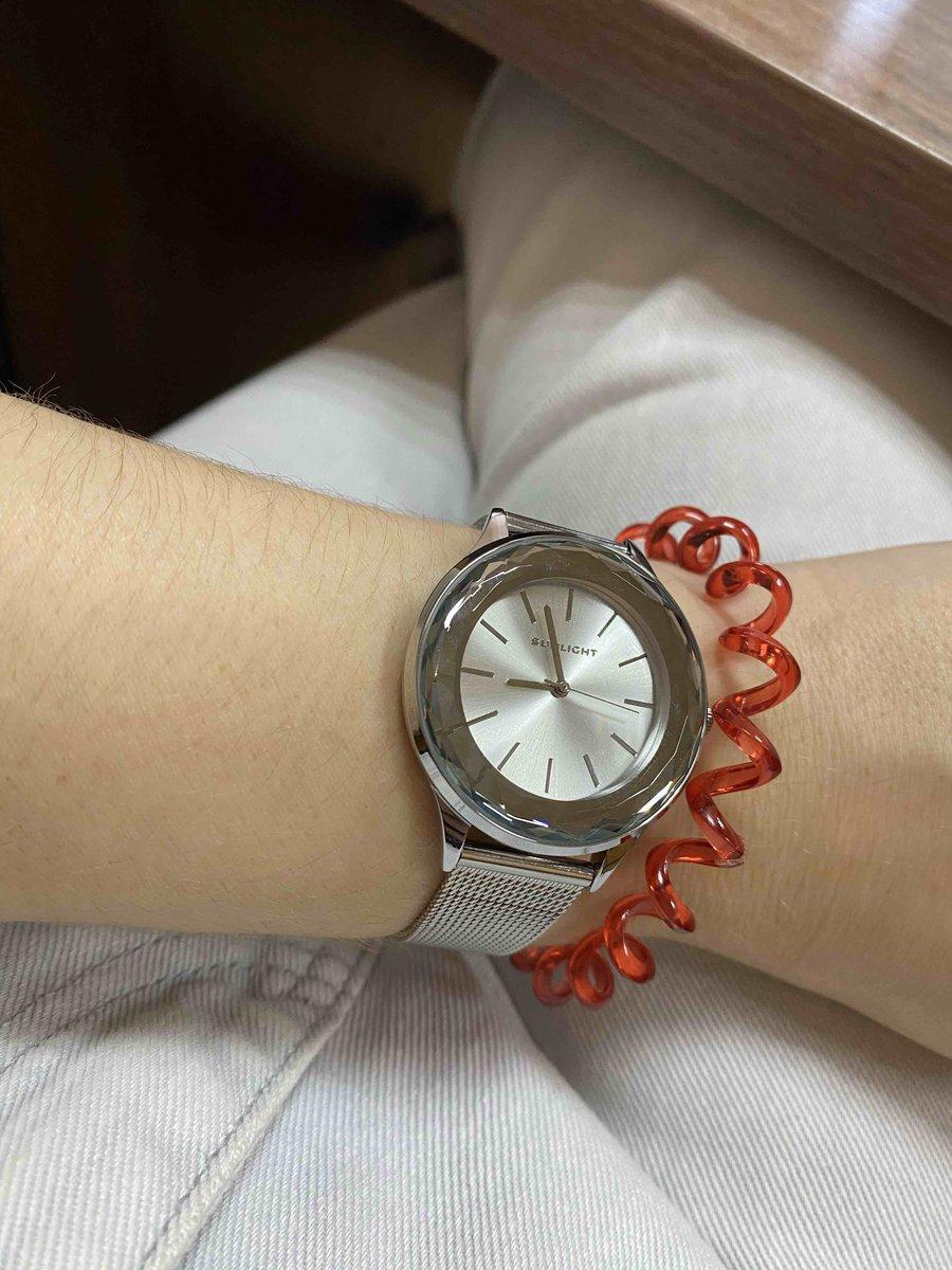 Часы  женские .