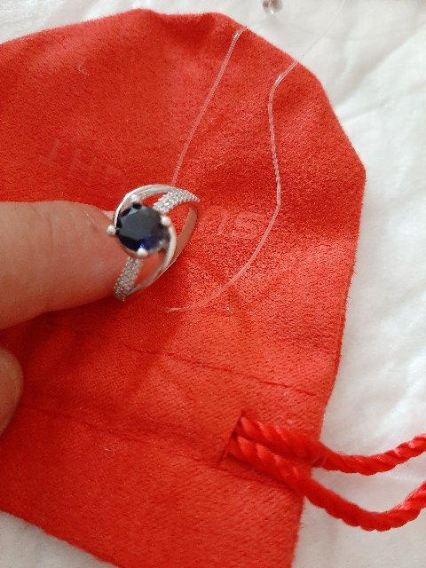 Прекрасное кольцо. Смотрится на пальчике изящно и даже раскошно👌